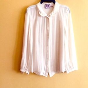 Juicy Couture like new ivory blouse size 4